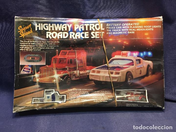 CIRCUITO HIGHWAY PATROL ROAD RACE SET COCHE POLICIA CAMION SUPER SPEED 1982 BATTERY OPERATED (Juguetes - Slot Cars - Scalextric Pistas y Accesorios)