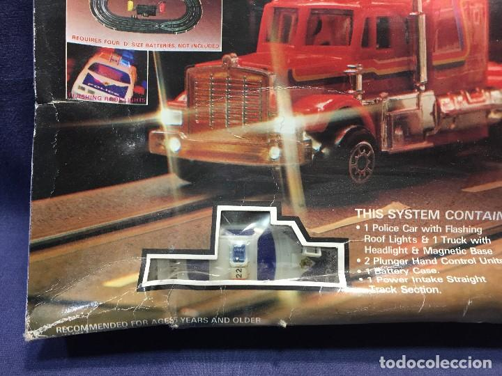 Scalextric: CIRCUITO HIGHWAY PATROL ROAD RACE SET COCHE POLICIA CAMION SUPER SPEED 1982 BATTERY OPERATED - Foto 39 - 202252665