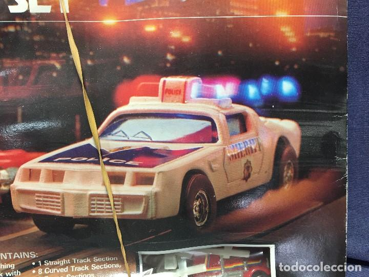 Scalextric: CIRCUITO HIGHWAY PATROL ROAD RACE SET COCHE POLICIA CAMION SUPER SPEED 1982 BATTERY OPERATED - Foto 42 - 202252665