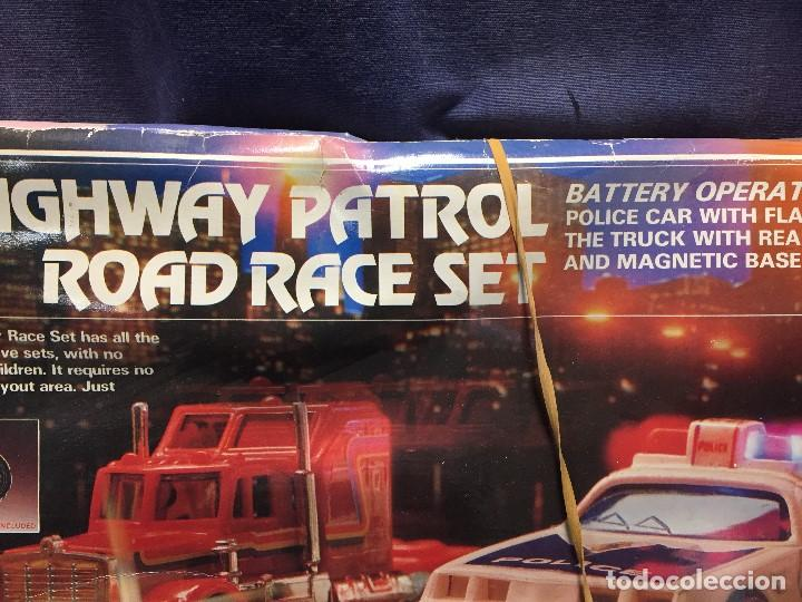 Scalextric: CIRCUITO HIGHWAY PATROL ROAD RACE SET COCHE POLICIA CAMION SUPER SPEED 1982 BATTERY OPERATED - Foto 44 - 202252665