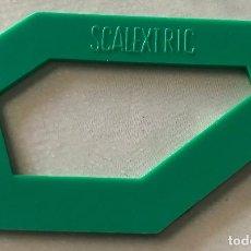 Scalextric: SCALEXTRIC. PIEZA VERDE. PLACA SUPER PERALTE 4265. COMO NUEVA.. Lote 204776955