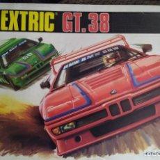 Scalextric: CIRCUITO COMPLETO SCALEXTRIC/EXIN GT-38 COMO NUEVO - CON DOS BMW M1 SEGUNDA SERIE BLANCO Y VERDE. Lote 206837117