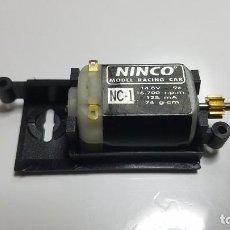 Scalextric: SLOT SCALEXTRIC NINCO MOTOR NC-1 Y BANCADA, ADAPTADOR O CAMA. Lote 210197545