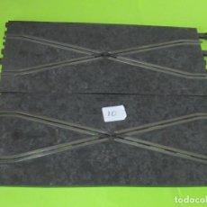 Scalextric: CAMBIO DE PISTA,2 TRAMOS , POR 1 € SUBASTA,LOTE 10. Lote 242990175
