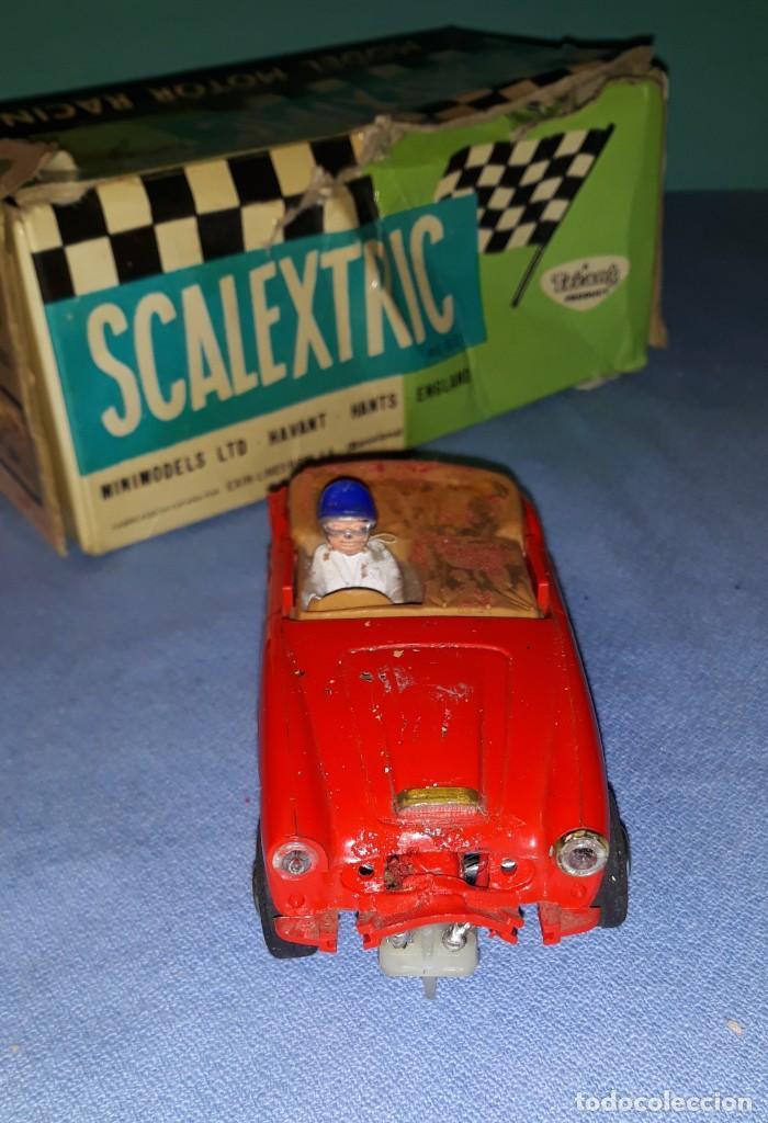 Scalextric: ANTIGUO COCHE ORIGINAL DE SCALEXTRIC AUSTIN HEALEY 3000 CON CAJA - Foto 4 - 184760673