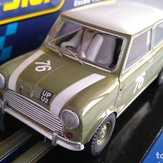 Scalextric: SCALEXTRIC SUPERSLOT INGLÉS UK MORRIS MINI COOPER GOODWOOD 2018 LUCES . EN URNA.NUEVO. Lote 194199996