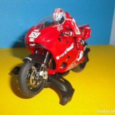 Scalextric: DUCATI SUPERSLOT. NICKY HAYDEN DORSAL 69. Lote 217905553