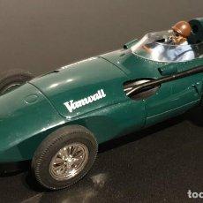 Scalextric: HORNBY SUPERSLOT VANWALL F1 1957 Nº 4 SUPERSLOT EN BUEN ESTADO LE FALTA LA GUIA. Lote 293669318