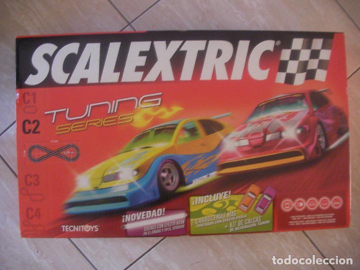 GRAN CIRCUITO SCALEXTRIC TUNING SERIES C2 NUEVO CON CUATRO COCHES EFECTO NEON Y PERLA (Juguetes - Slot Cars - Scalextric Tecnitoys)