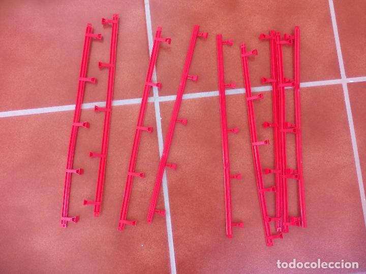 Usado, SCALEXTRIC 9 TRAMOS DE VALLAS ROJAS, SCX TECNITOYS. segunda mano
