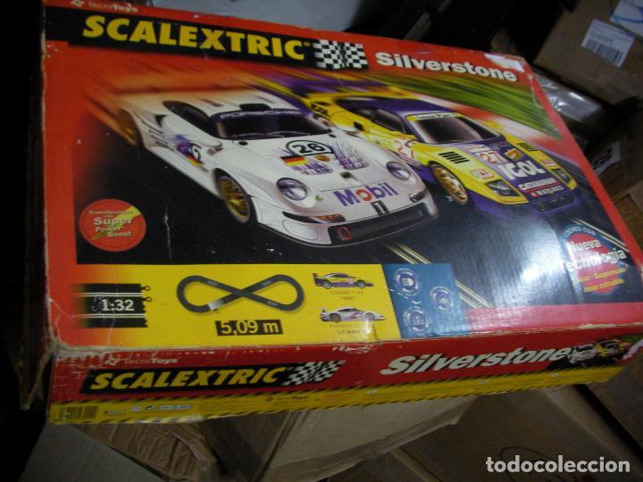 GRAN CIRCUITO SCALEXTRIC SILVERSTONE VEHICULOS FERRARI F-40 Y PORSCHE 911 GT (Juguetes - Slot Cars - Scalextric Tecnitoys)