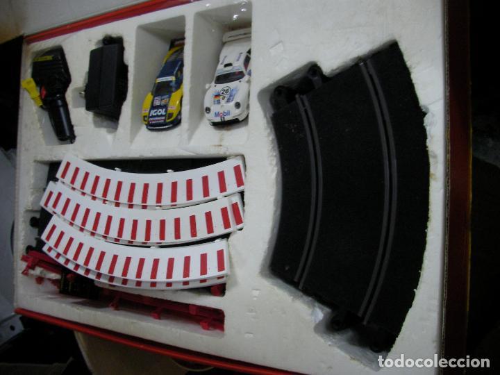Scalextric: GRAN CIRCUITO SCALEXTRIC SILVERSTONE VEHICULOS FERRARI F-40 Y PORSCHE 911 GT - Foto 5 - 145365618