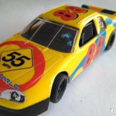 Scalextric: SCALEXTRIC CHEVROLET MONTECARLO NASCAR. RUEDAS DELANTERAS SE TUERCEN. Lote 154454634