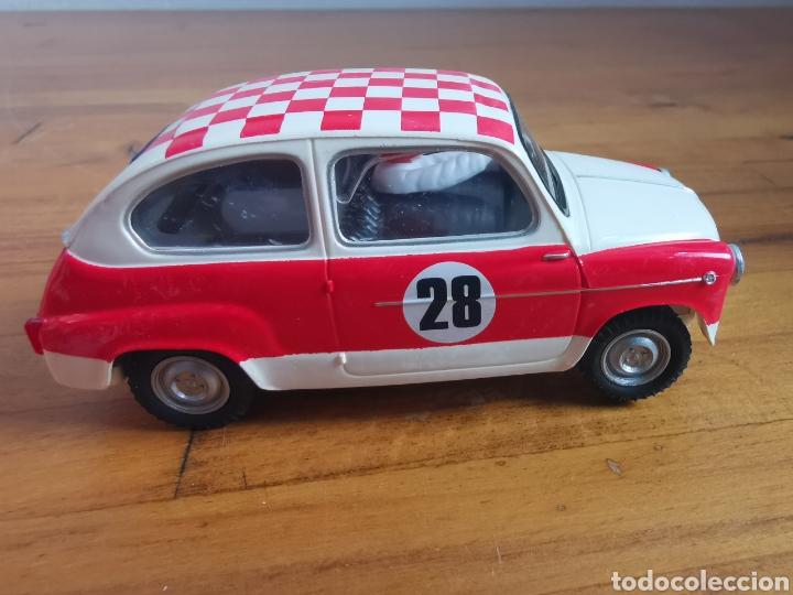 Scalextric: Coche scalextric repro Seat 600 1972 Rally Costa Brava 2002 - Foto 4 - 178064462