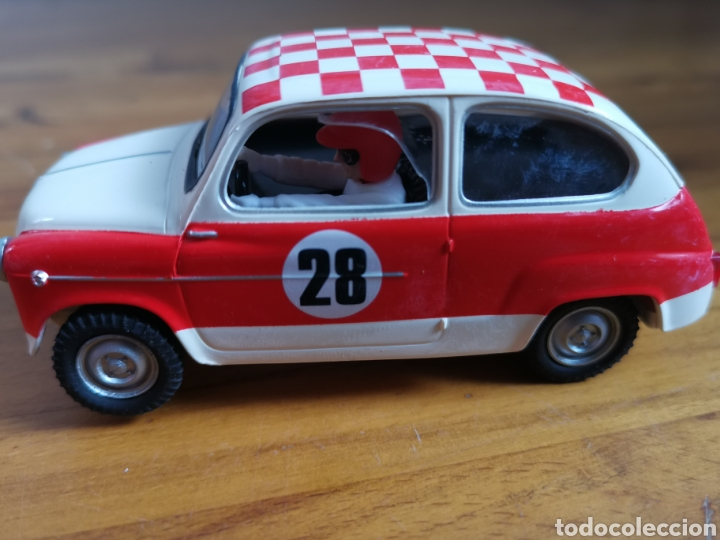 Scalextric: Coche scalextric repro Seat 600 1972 Rally Costa Brava 2002 - Foto 7 - 178064462