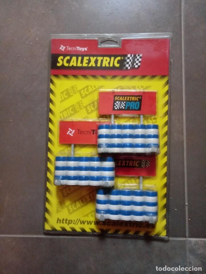 SET SCALEXTRIC - SCX REF 8810. F1 - .BARRERAS NUEVAS EN BLISTER ORIGINAL ORIGINAL (Juguetes - Slot Cars - Scalextric Tecnitoys)