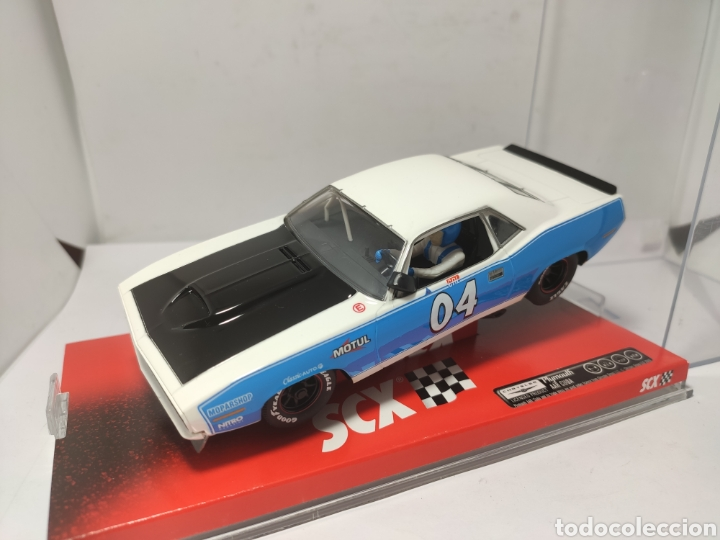 SCALEXTRIC PLYMOUTH BARRACUDA WHITE & BLUE SCX REF. A10048X300 (Juguetes - Slot Cars - Scalextric Tecnitoys)