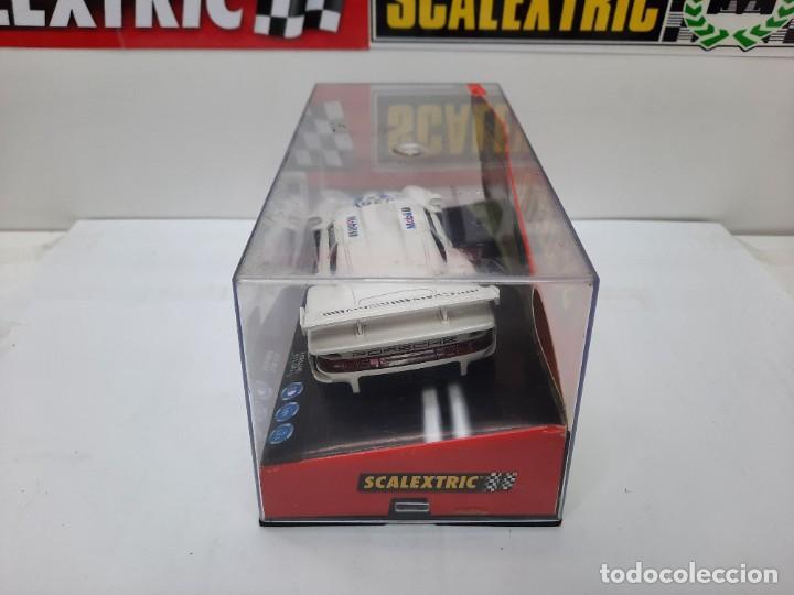 "Scalextric: PORSCHE 911 GT1 "" MOBIL "" #26 SCALEXTRIC - Foto 13 - 241051050"