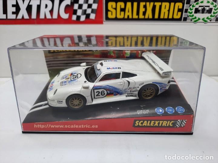 "Scalextric: PORSCHE 911 GT1 "" MOBIL "" #26 SCALEXTRIC - Foto 17 - 241051050"