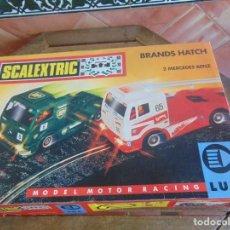 Scalextric: CAJA CIRCUITO DE TYCO BRANDS HATCH CON 2 CAMIONES MERCEDES BENZ CON LUZ. Lote 91504125