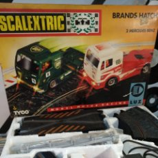 Scalextric: SCALEXTRIC BRANDS HATCH 2 CAMIONES MERCEDES. Lote 203297945