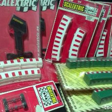Scalextric: GRAN LOTE DE MATERIAL SCALEXTRIC - TYCO - TECHNITOYS - EN BLISTER. Lote 217575811