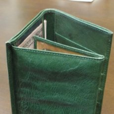 Segunda Mano: CARTERA BILLETERO DE PIEL - COLOR VERDE. Lote 33123526