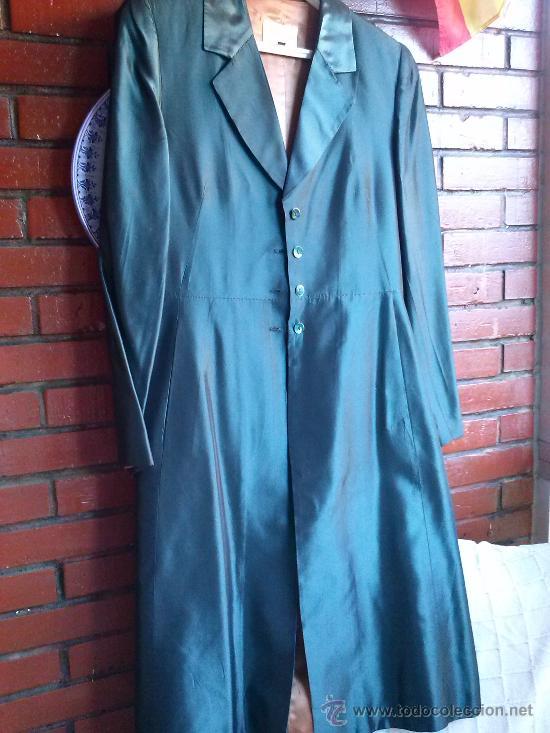 Segunda Mano: Conjunto de fiesta.Abrigo y pantalón;verde botella brillante,forro de raso.Talla 38. - Foto 3 - 33976056