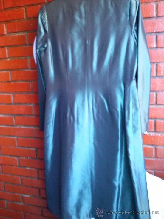 Segunda Mano: Conjunto de fiesta.Abrigo y pantalón;verde botella brillante,forro de raso.Talla 38. - Foto 5 - 33976056