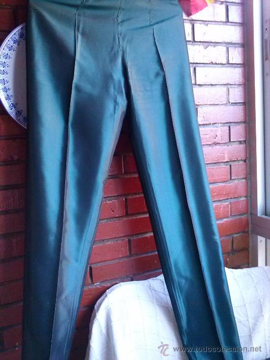 Segunda Mano: Conjunto de fiesta.Abrigo y pantalón;verde botella brillante,forro de raso.Talla 38. - Foto 9 - 33976056