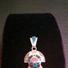 Segunda Mano: COLGANTE EN PLATA 950MMG PUREZA CON SPONDYLUS. AÑO 1996. Lote 39005444