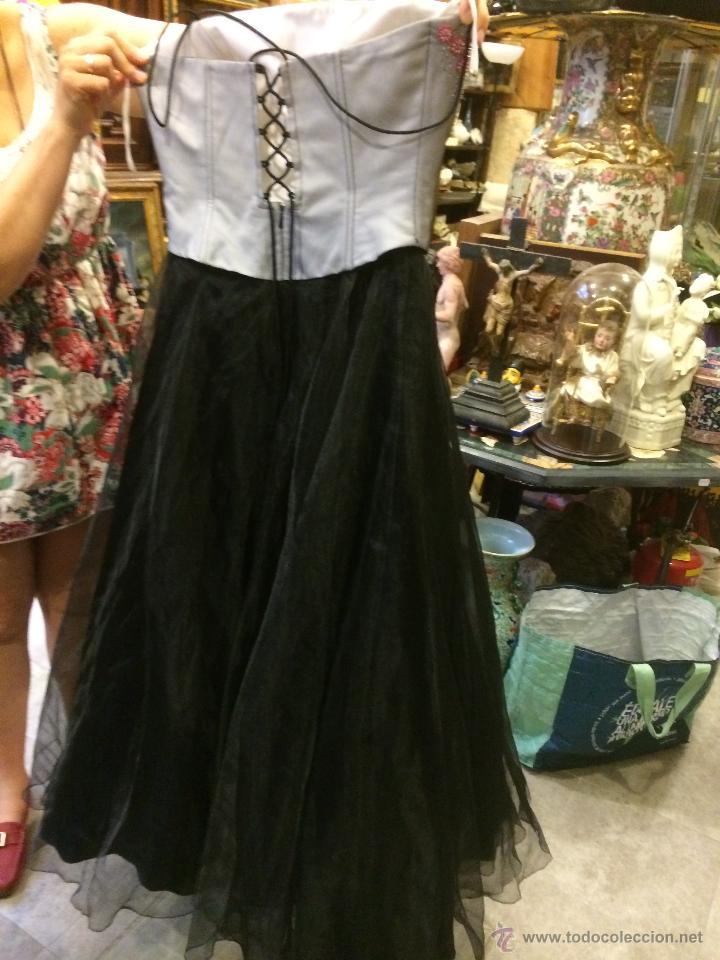 8c115c32e8 Segunda Mano  imponente vestido de fiesta con cuerpo bordado