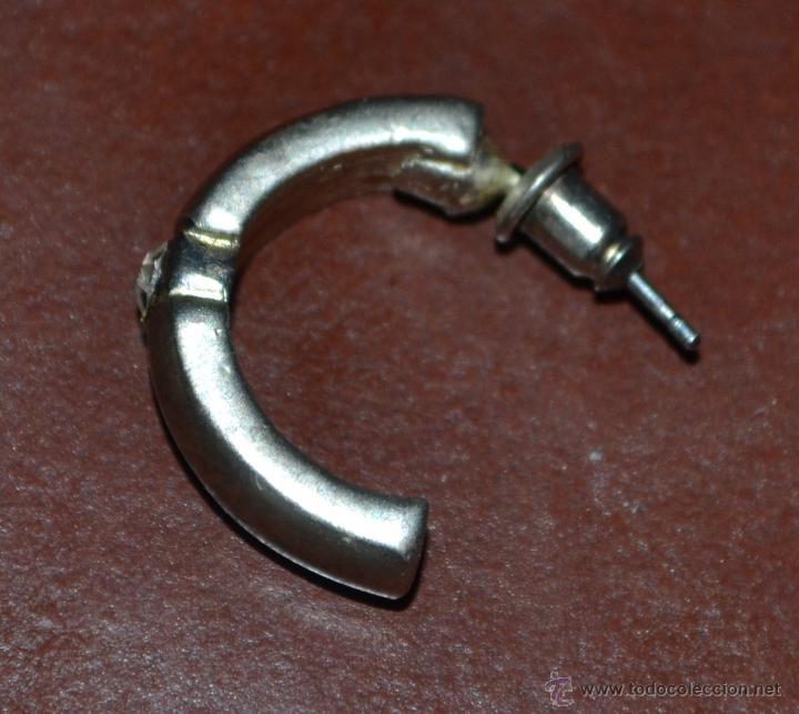 Segunda Mano: Dos pares de pendientes de bisutería, acero y metal dorado. - Foto 3 - 45992452