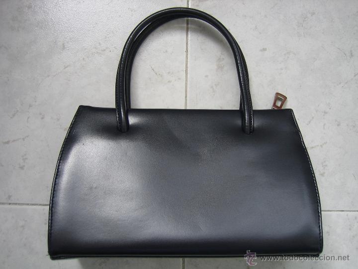 Segunda Mano: Bolso de señora en piel azul marino.Medidas 25x15 cm. Marca aidaro - Foto 3 - 48865127