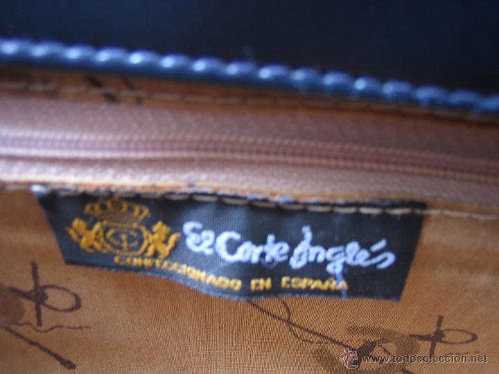 Segunda Mano: Bolso de señora en piel azul marino.Medidas 25x15 cm. Marca aidaro - Foto 6 - 48865127