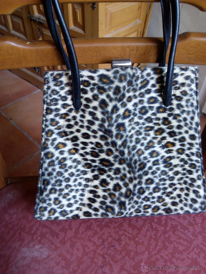 Segunda Mano: Precioso bolso de fiesta de terciopelo ,estampado de leopardo. - Foto 3 - 50481255