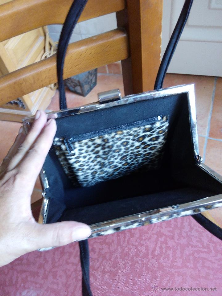 Segunda Mano: Precioso bolso de fiesta de terciopelo ,estampado de leopardo. - Foto 4 - 50481255