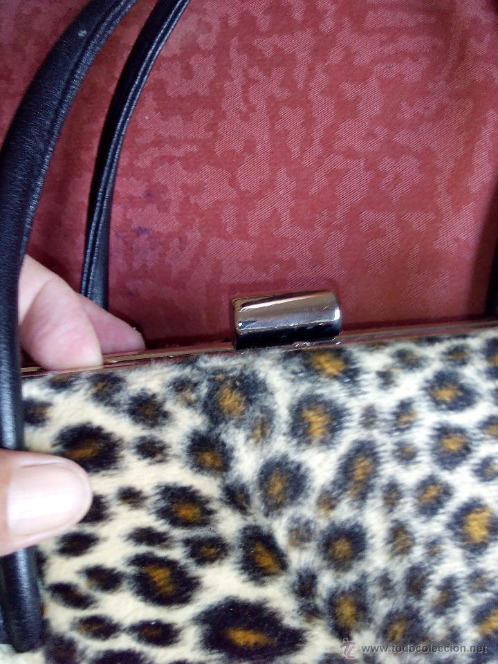 Segunda Mano: Precioso bolso de fiesta de terciopelo ,estampado de leopardo. - Foto 5 - 50481255