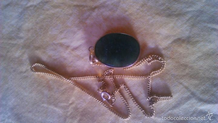 Segunda Mano: Precioso medallon de jade con letras chinas,engarzada en metal bañado en oro,con cadena baño de oro - Foto 4 - 56524383