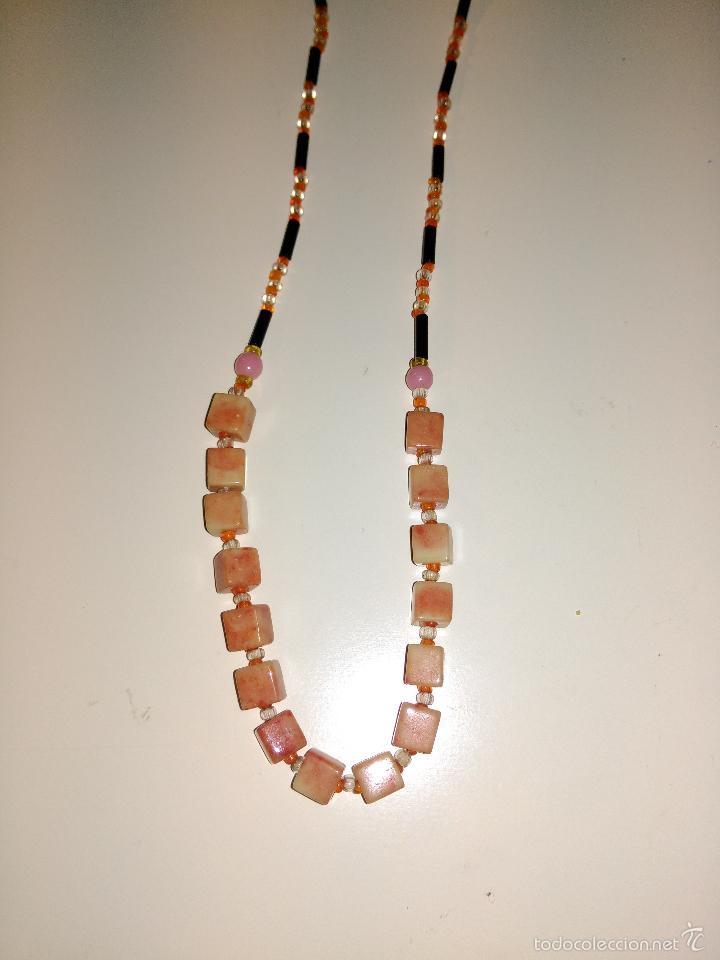 Segunda Mano: Collar combinación de piedras rosas y canutillos. - Foto 2 - 57176425