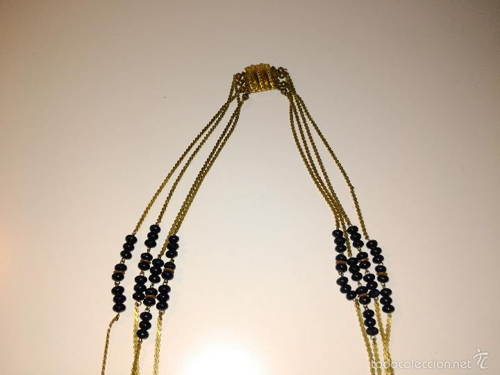 Segunda Mano: Collar azul marino y dorado. Cadena y bolitas. Cierre metálico. 37cm de diámetro - Foto 3 - 57223840