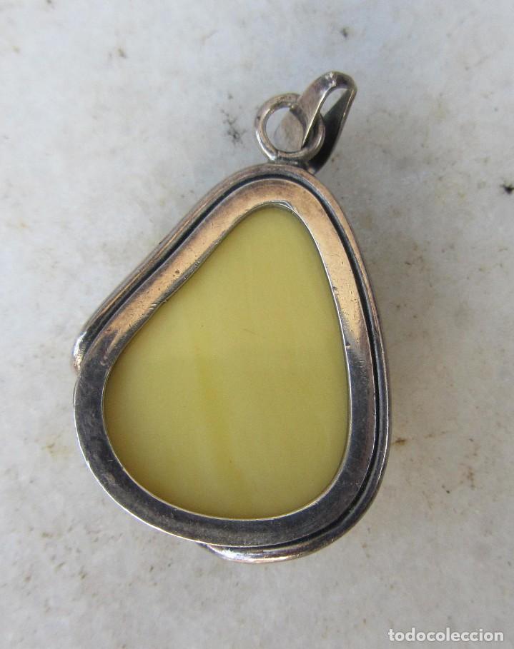 Segunda Mano: colgante de plata y piedra dura - Foto 2 - 68767717