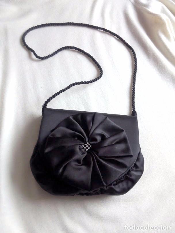 Segunda Mano: Precioso bolso de mano de fiesta en negro - Foto 2 - 86643188