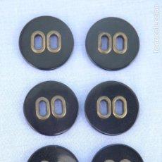 Segunda Mano: LOTE 6 BOTONES NEGROS DE PLÁSTICO Y METAL. Lote 107426983
