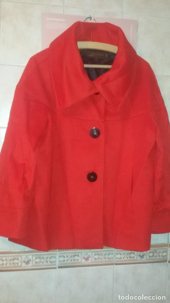 Segunda Mano: Abrigo rojo de señora tipo capa con manga francesa.zara woman made in spain,talla l - Foto 5 - 109405067