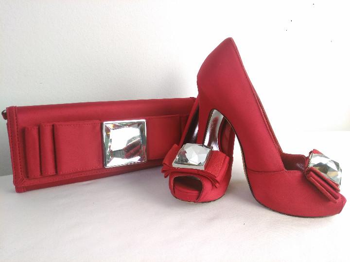 diseño innovador disfruta de un gran descuento tienda de descuento Conjunto zapatos y bolso Karen Millen color rojo.