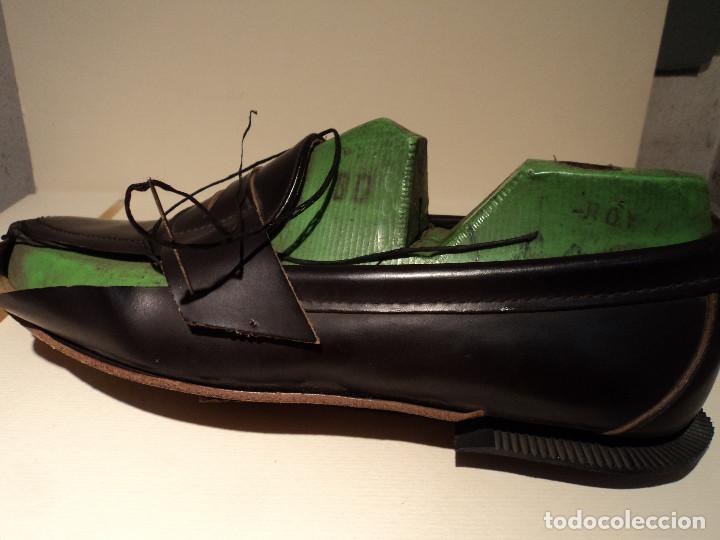 Segunda Mano: un zapato sebago en seccion para mostrar el proceso de fabricacion - Foto 4 - 114997279