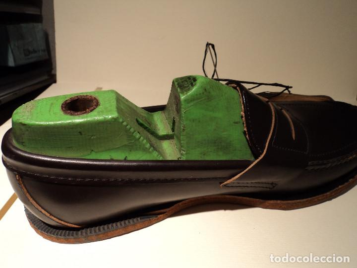 Segunda Mano: un zapato sebago en seccion para mostrar el proceso de fabricacion - Foto 3 - 114997279