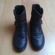 Segunda Mano - Botas botines de niña -- nº 32 -- cuero -- color negro con hebilla - 115824079
