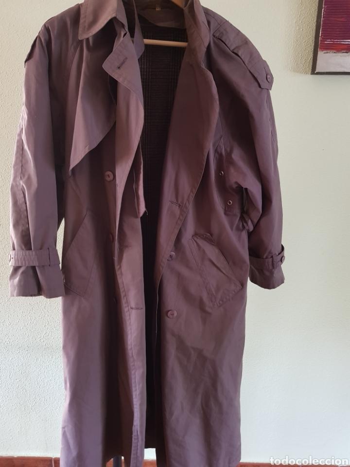 Bonita gabardina para mujer estilo Burberry. Talla 38, usado segunda mano